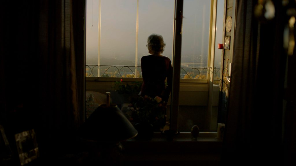 wde-still-01-tove-laila-balcony